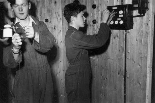 Elektrikarar i arbeid